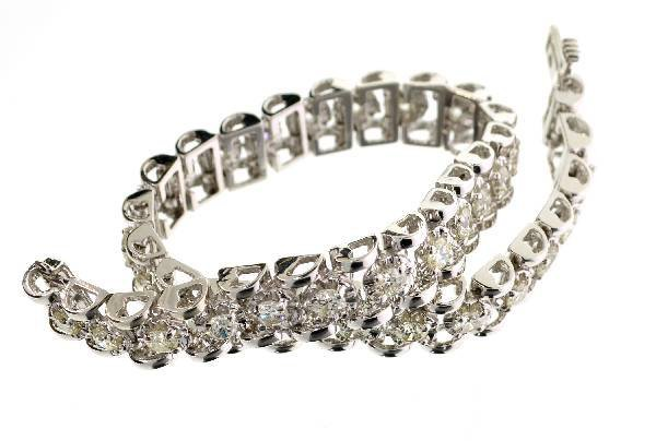 APP: 19k 14kt White Gold, 3CT Round Diamond Bracelet