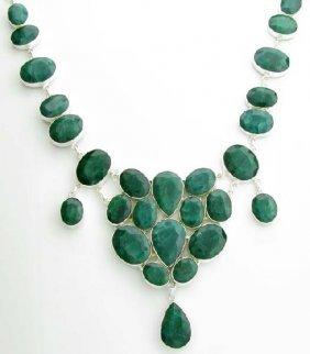 APP: 17k 241CT  Mixed Cut Grn Beryl & Silver Necklace