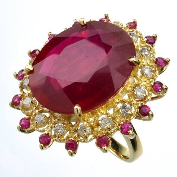 APP: 31.6k *14 kt Gold 22.30CT Ruby & Diamond Ring