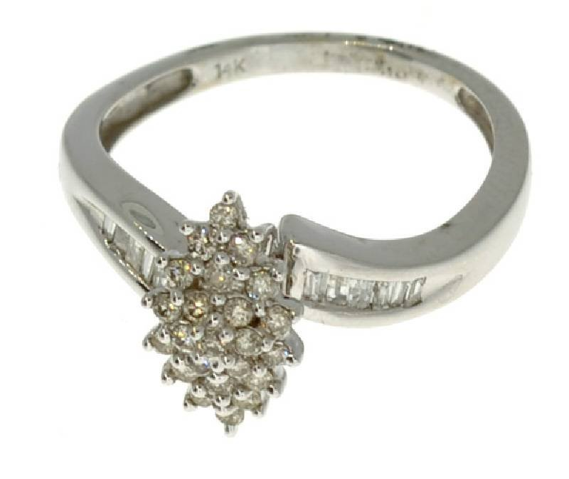 APP: 2.7k 14 kt. White Gold, 0.45CT Diamond Ring