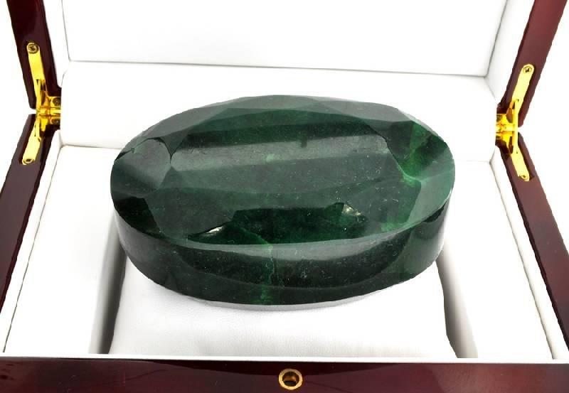 APP: 90.1k 3,464.10CT Oval Cut Green Beryl Gemstone