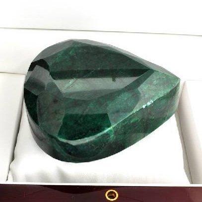 APP: 77.1k 2,967.30CT Pear Cut Green Beryl Gemstone