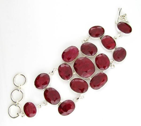 APP: 15k 195CT  Oval Cut Ruby & Sterl Silver Bracelet