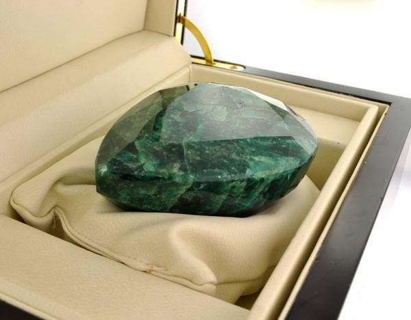 APP: 55.9k 1,596.35CT Emerald Gemstone