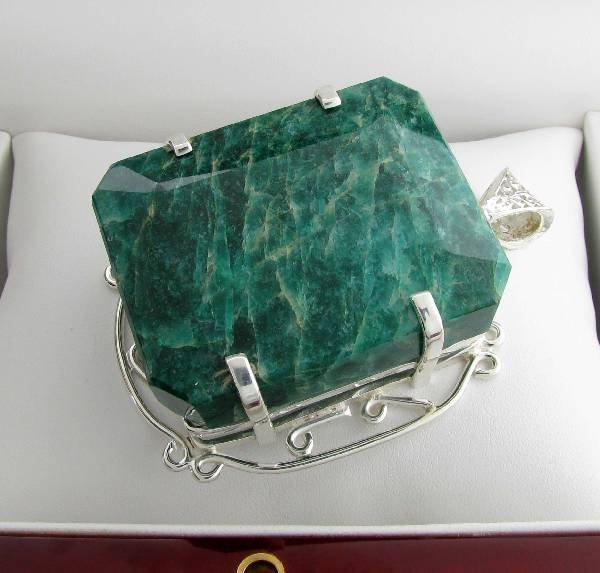 APP: 26k 419CT  Emerald Cut Emerald & Silver Pendant