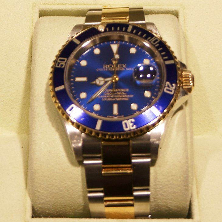 2T Men's Rolex Submariner (Blue Dial) Year 2000 40mm