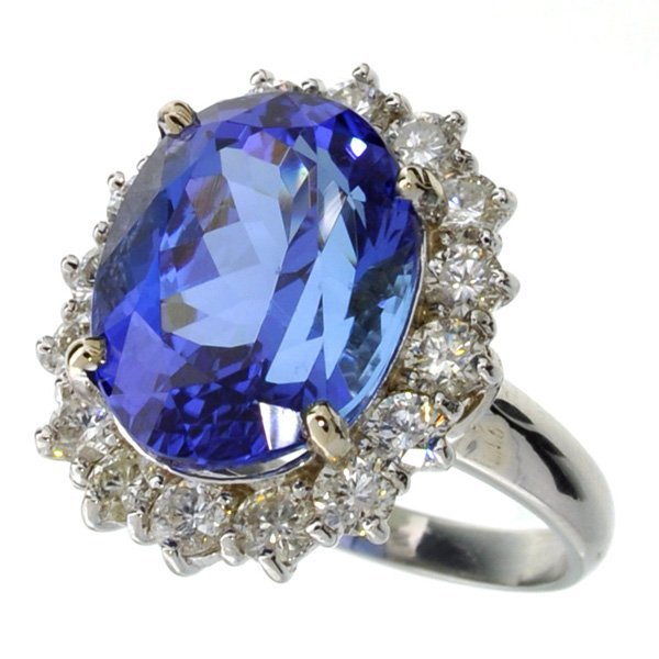APP: 28k *14 kt White Gold 9CT Tanzanite & Diamond Ring