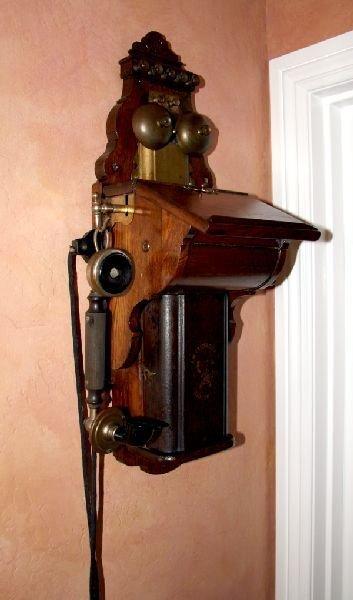 Antique Phone -P-