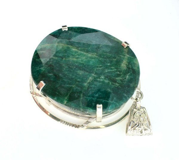 APP: 11k Sebastian 327CT Oval Emerald & Silver Pendant