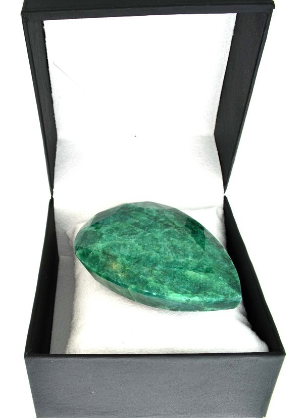 APP: 38.5k 712.10CT- Oval Cut Emerald Gemstone