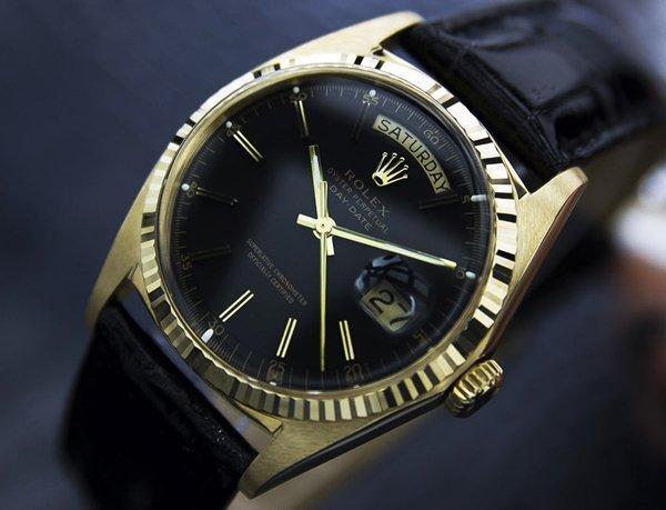 *Men's Vintage Rolex 18k Solid Gold Date c.1977 (4071)