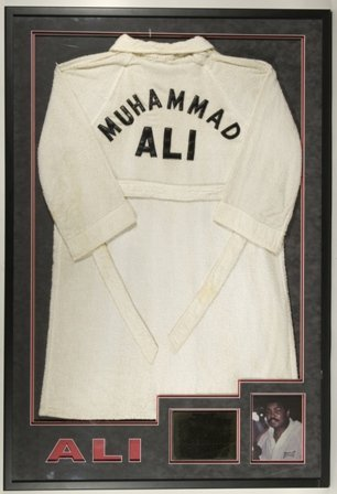 6609: GOV: Muhammad Ali Worn 1980 Training Robe (Ali vs