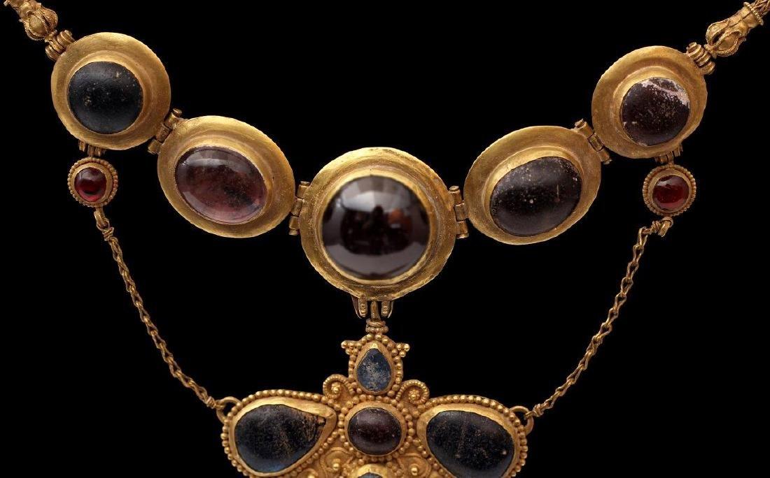 A GREEK GOLDEN NECKLACE, 6TH-4TH CENTURY B.C. - 2