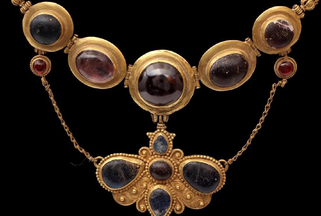 A GREEK GOLDEN NECKLACE, 6TH-4TH CENTURY B.C. - 3
