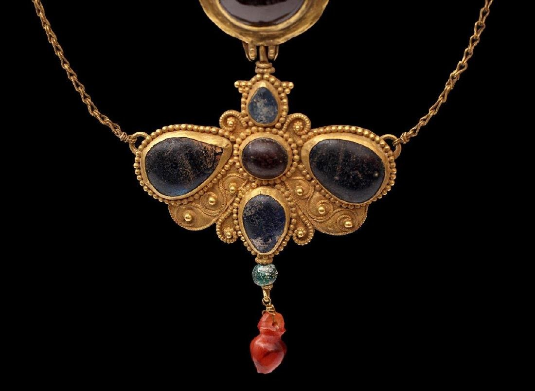 A GREEK GOLDEN NECKLACE, 6TH-4TH CENTURY B.C. - 4