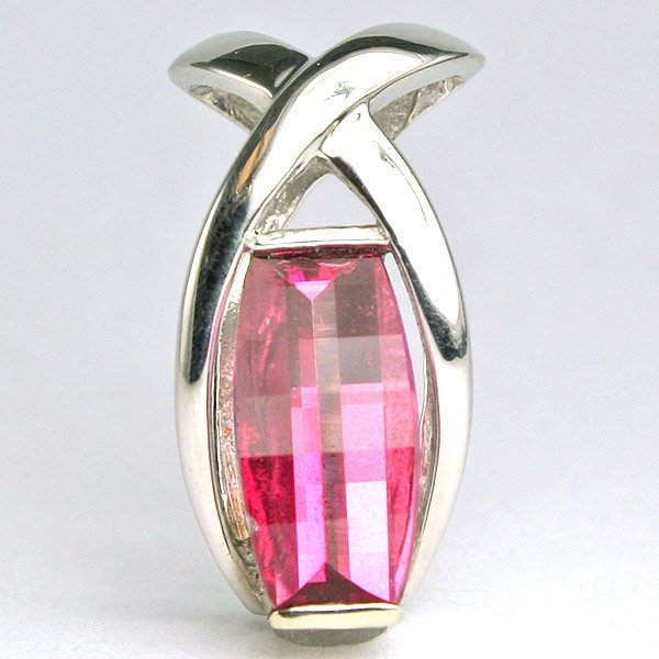4633: 10KT Pink Topaz Pendant 20mm