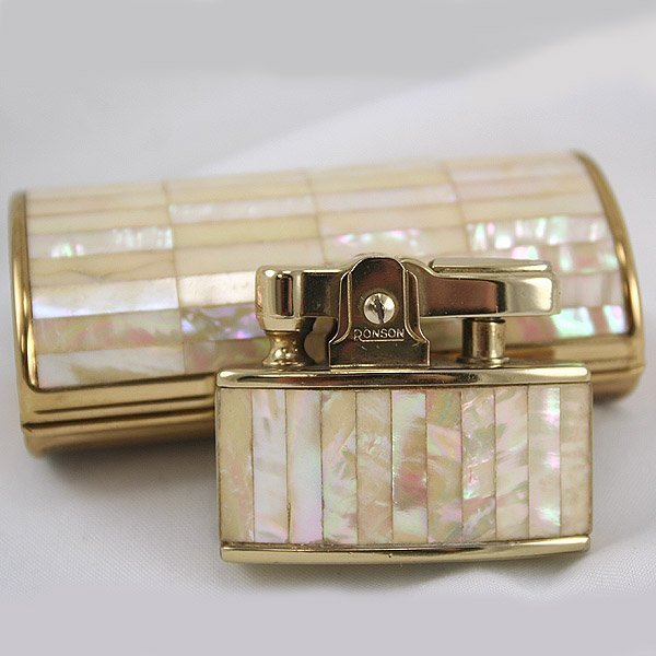 4726: 1959 Ronson Mother of Pearl Cadet Set