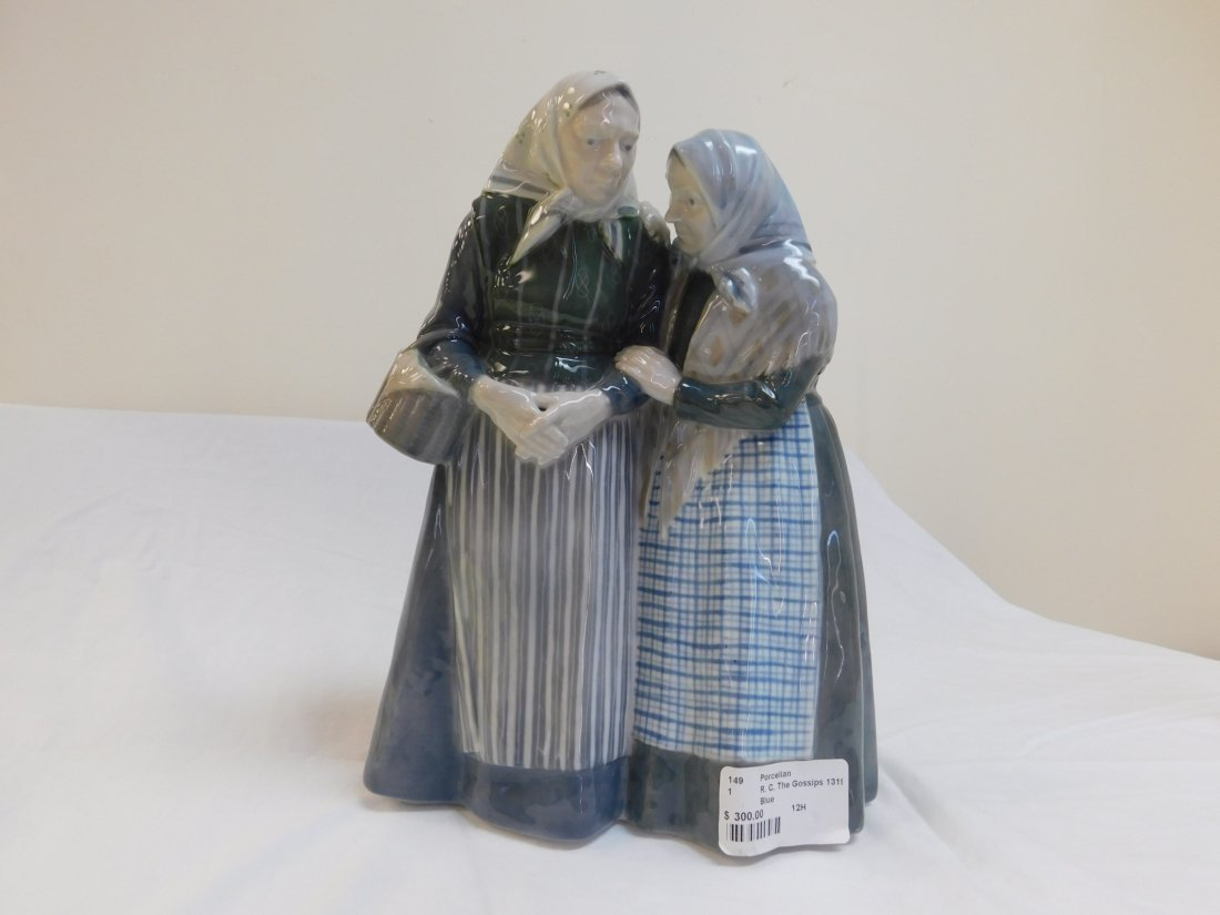 Royal Copenhagen The Gossips #1319 Figureine, 1 Total