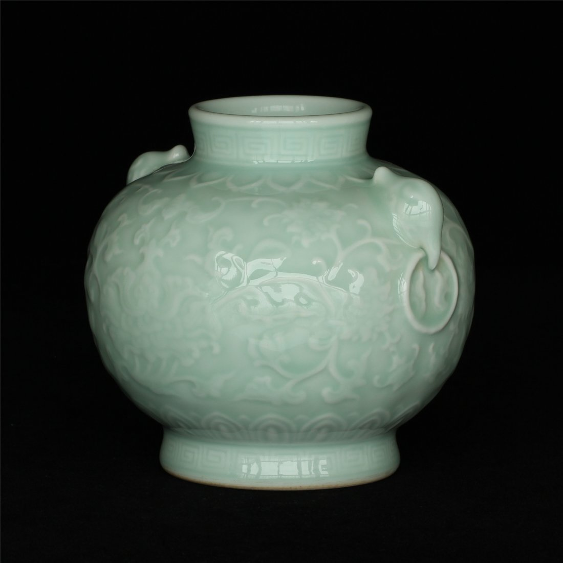 Blue glaze carving porcelain jar of Qing Dynasty - 3