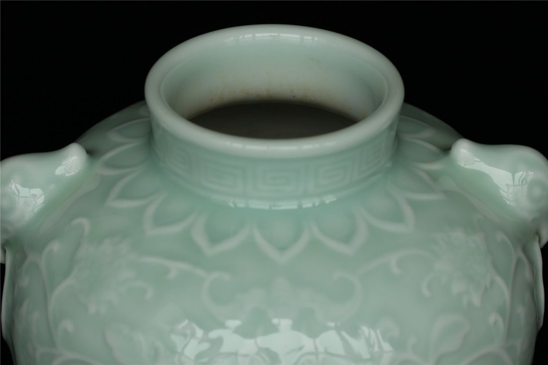 Blue glaze carving porcelain jar of Qing Dynasty - 5