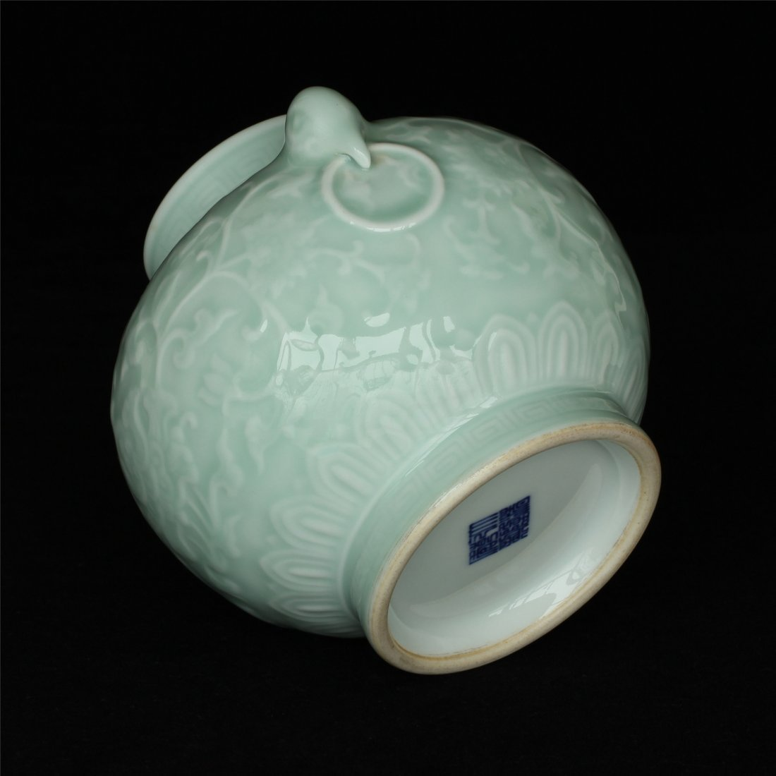 Blue glaze carving porcelain jar of Qing Dynasty - 7