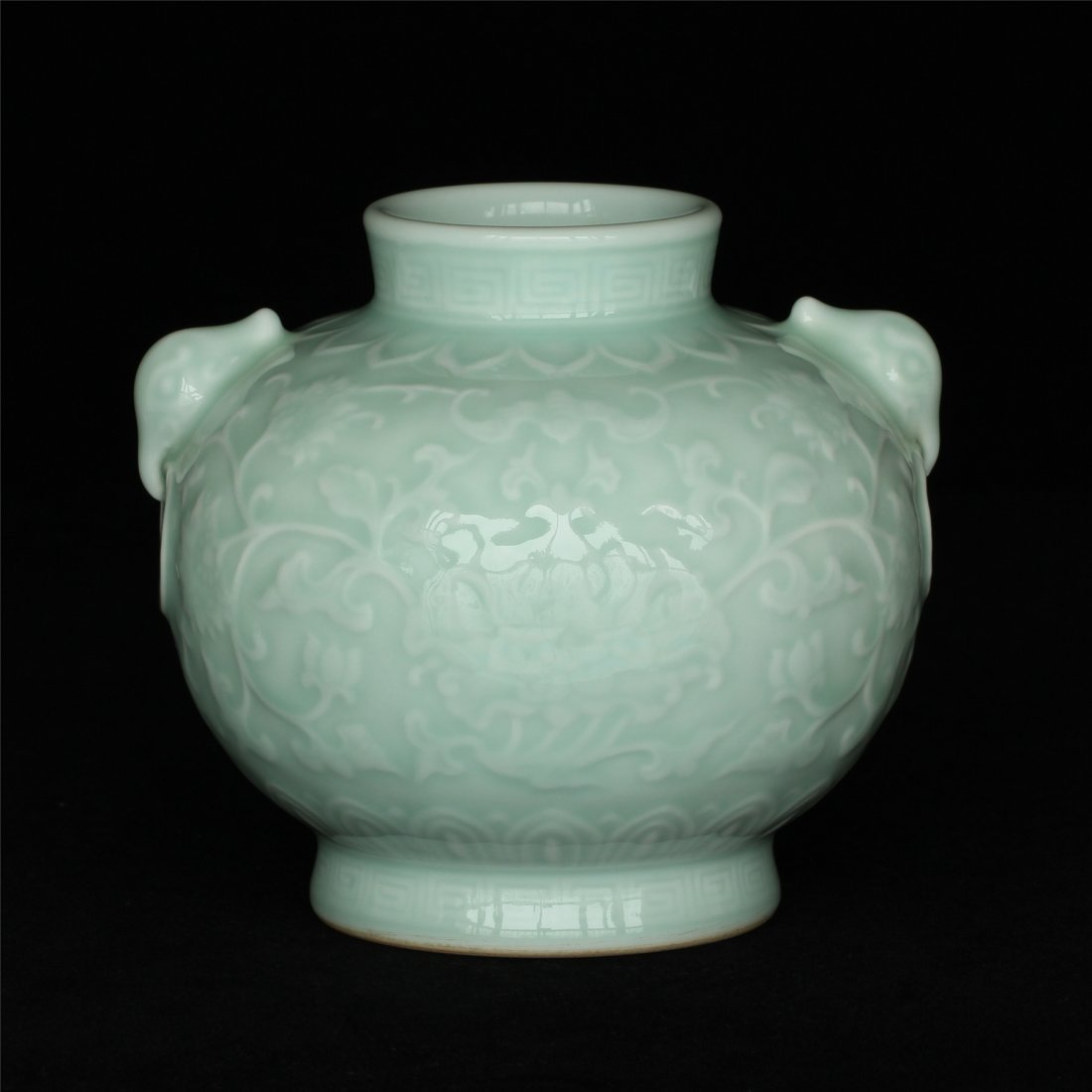 Blue glaze carving porcelain jar of Qing Dynasty - 9