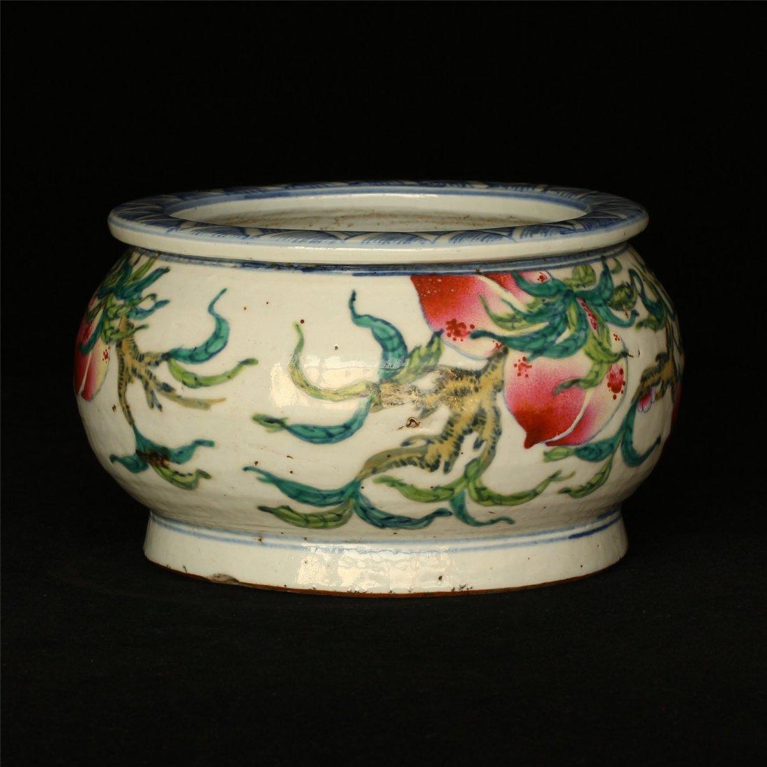 Famille rose porcelain jar. - 10