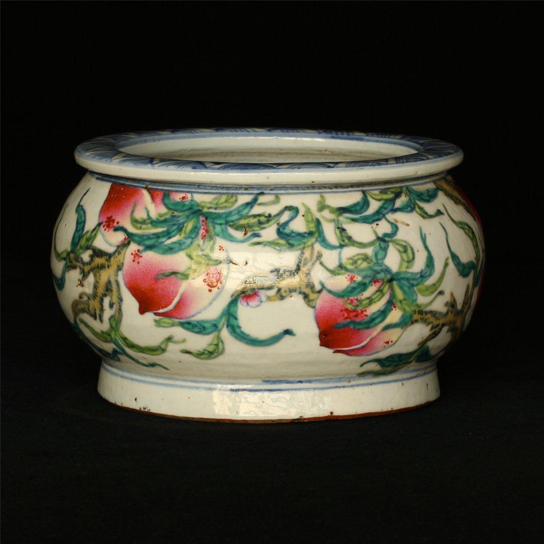 Famille rose porcelain jar. - 9