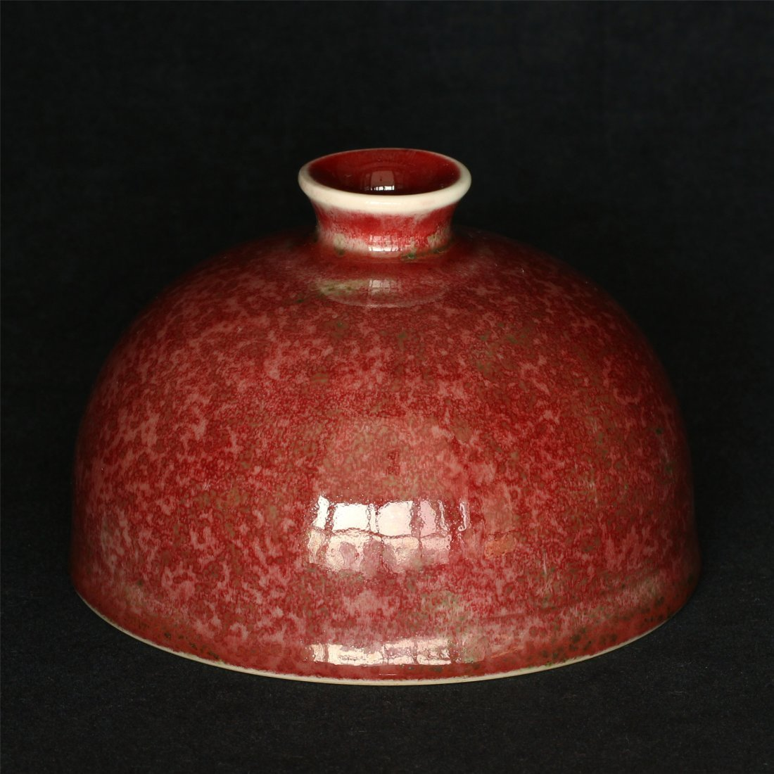 Red glaze porcelain vase of Ming Dynasty KangXi mark.