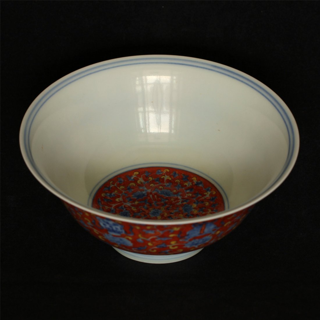 Blue and white & red color porcelain bowl of Ming