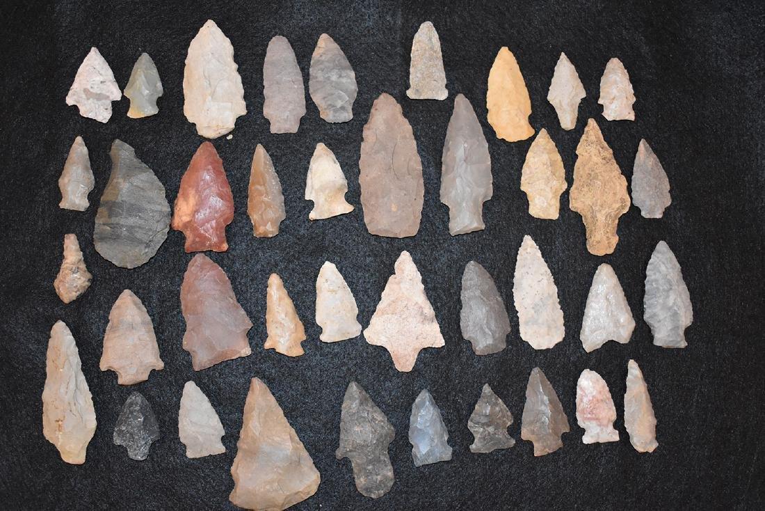 Lot of 39 Arrowheads, USA, No further provenance,