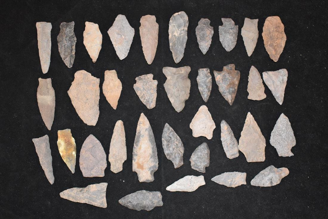 35 New England Arrowheads, Longest 3 inches