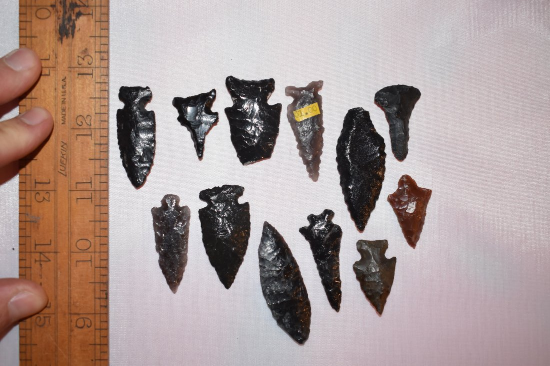 Lot of California Obsidian Arrowheads