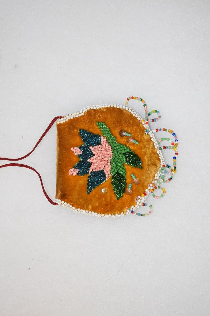 "Beaded Possibles Bag, East Coast, 3.1/4"" tall 20th - 2"