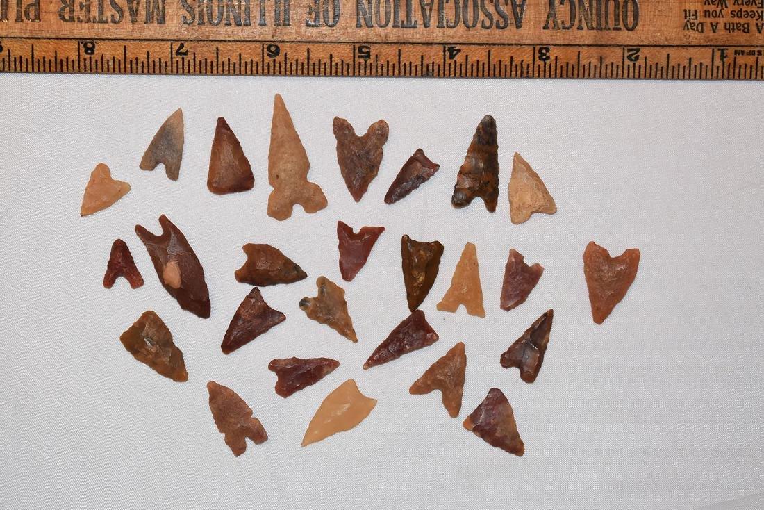 Lot of 25 African Desert Neolithic Arrowheads
