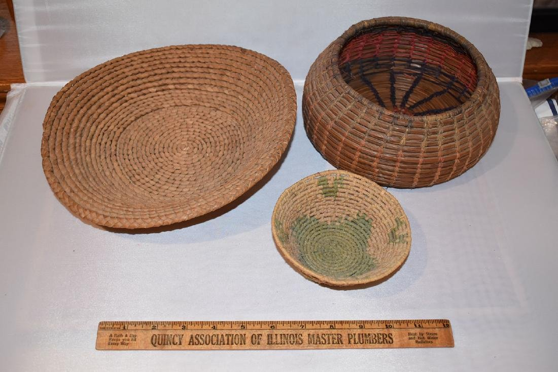 Lot of early 1900's artifacts, some tourist trade