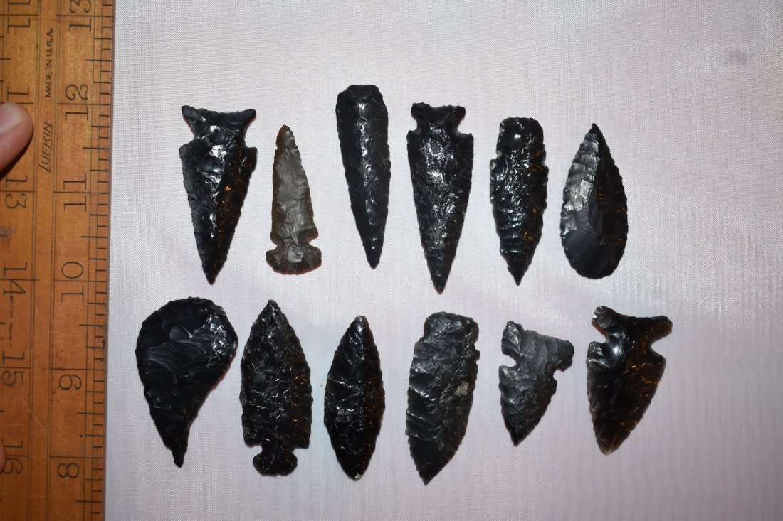 Lot of California Obsidian Arrowheads