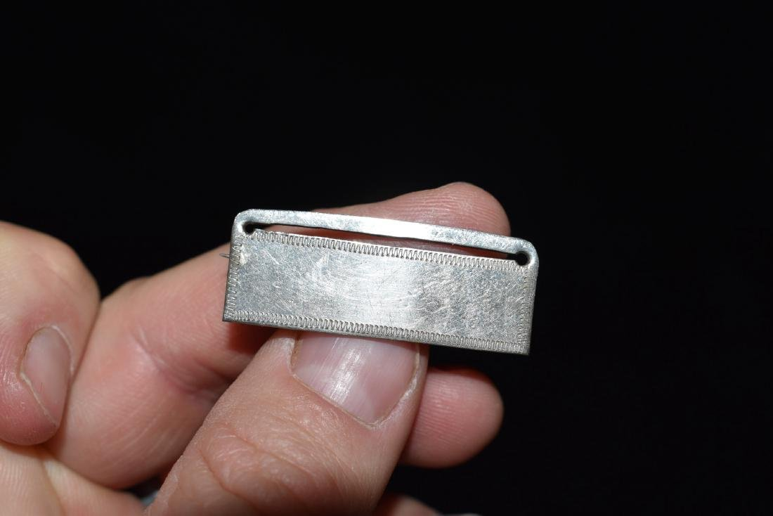 "1.1/2"" Silver pin"
