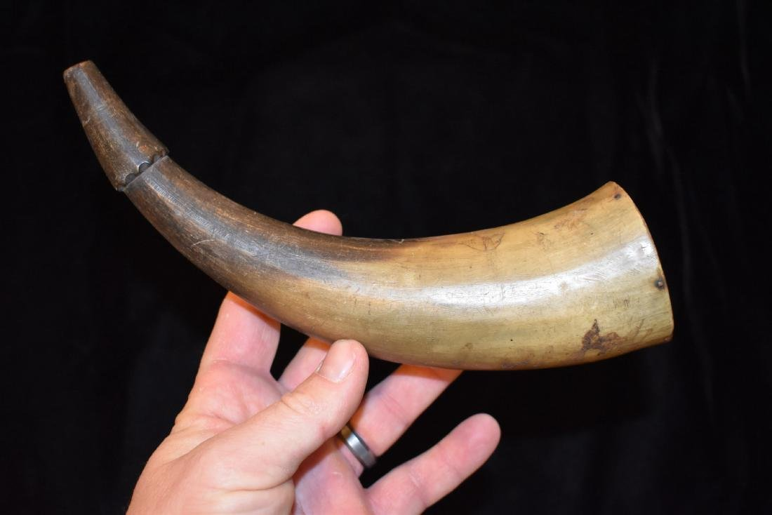 Powder Horn, Engraved With Dog