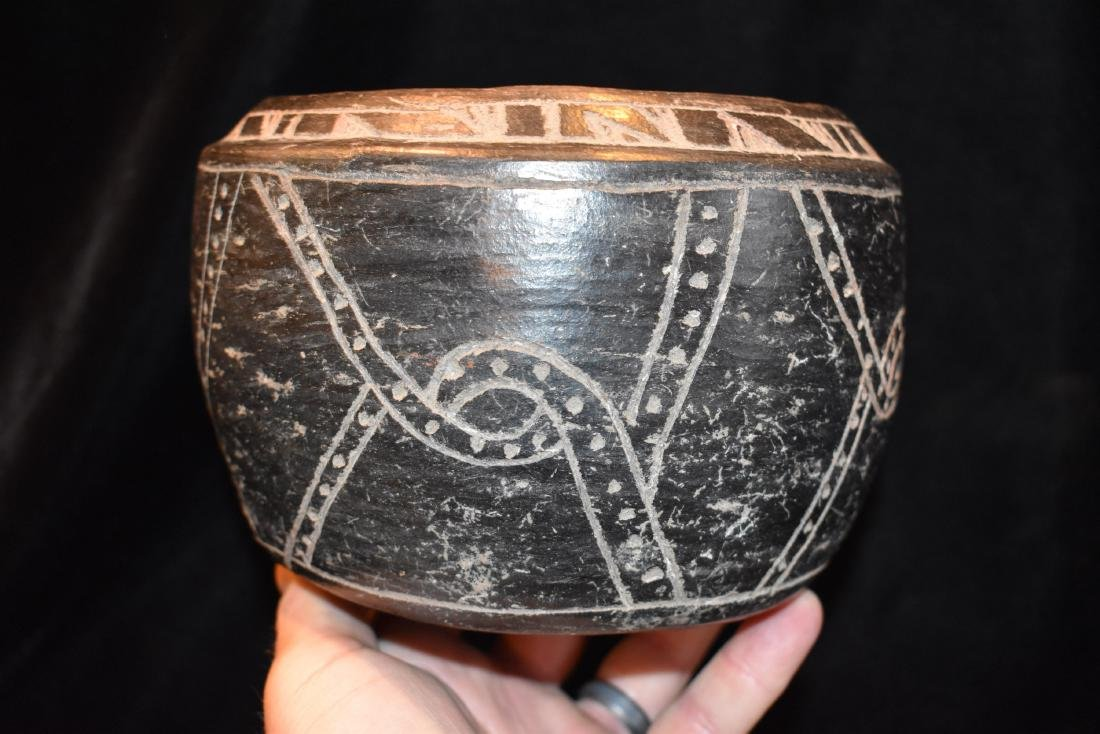 "6.1/4""x4.1/2"" Pre-Columbian Pottery Vessel Black / Good"