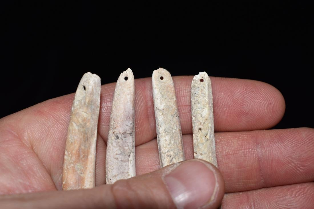 Lot of 4 Spindulus Shell Pre-Columbian Pendants, - 4