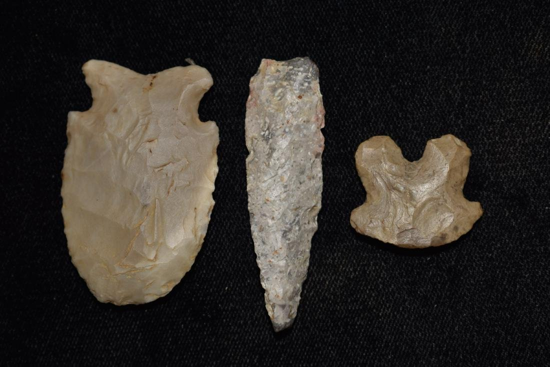 Lot of 3 Arrowheads - 2