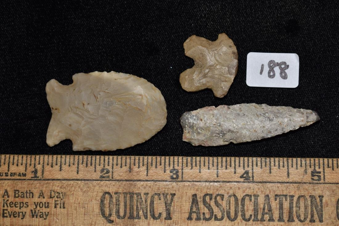 Lot of 3 Arrowheads - 3
