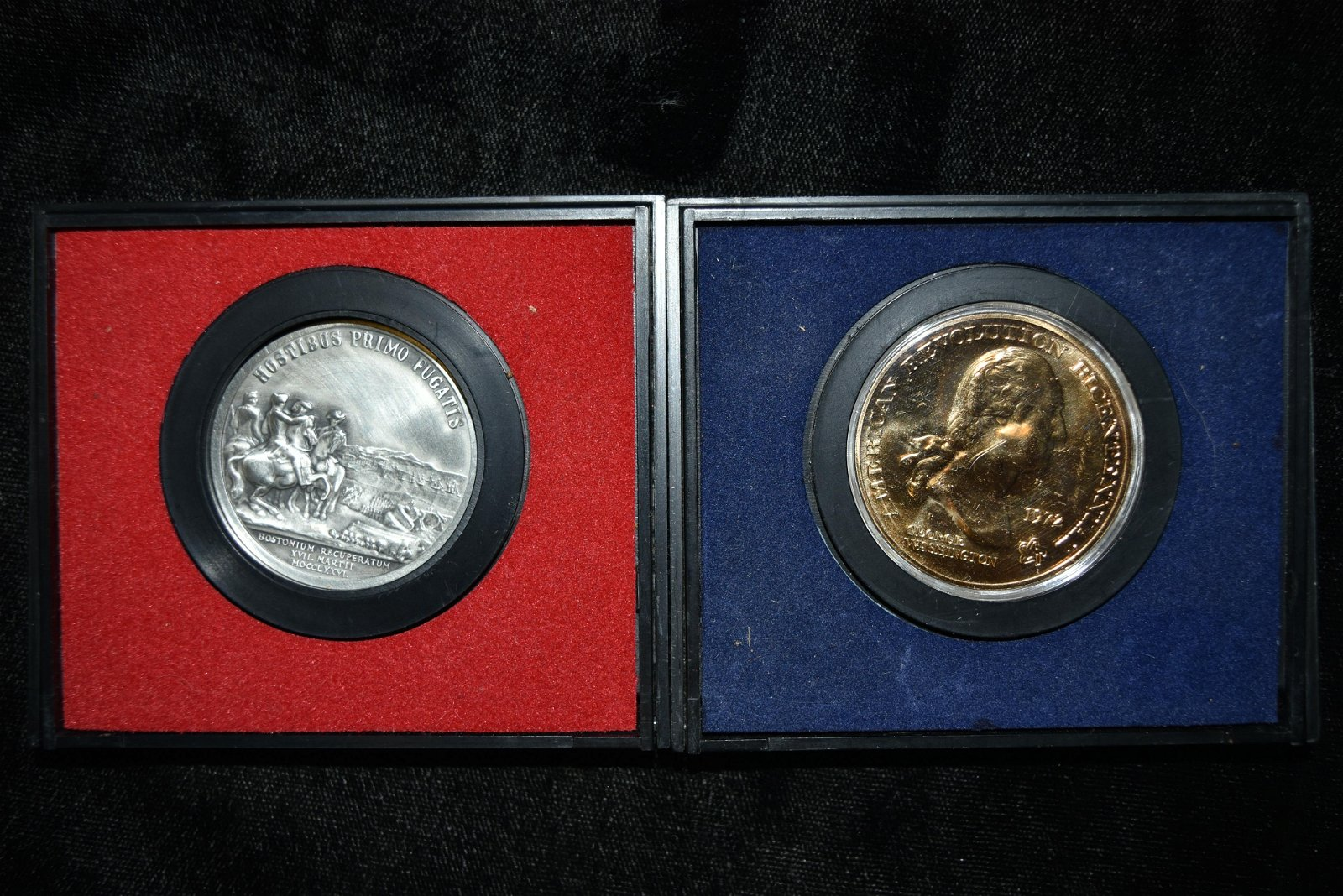Two American Revolution bicentennial coins, in original