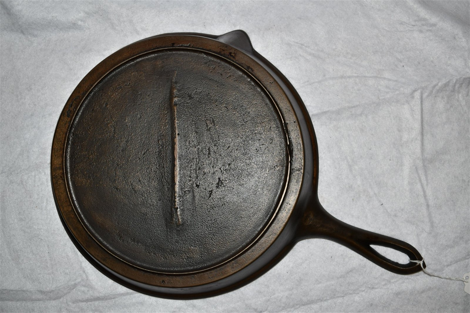 #9 Gate Marked Cast Iron Skillet, With a Fancy Handle,