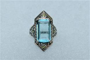 Beautiful aprx. 12 ct. aquamarine sterling silver ring.