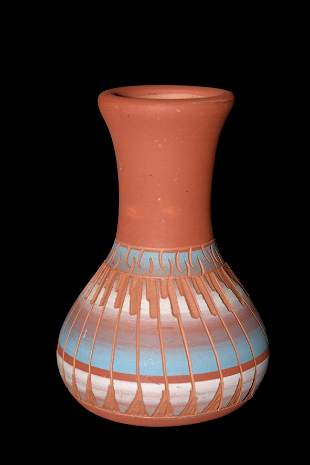 BEAUTIFUL NAVAJO POTTERY VASE, SIGNED, GREAT COLOR AND