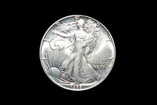 1988 1 ounce Silver Eagle .999 pure silver