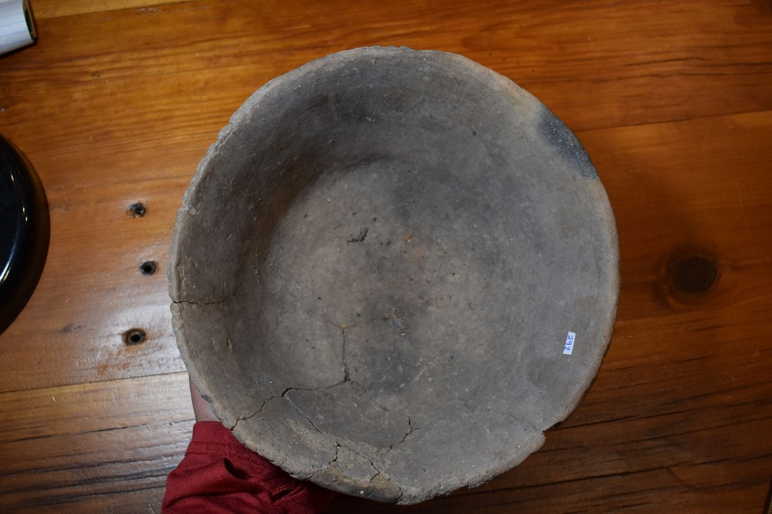 """POTTERY BOWL, 8 3/4"""" DIA, PIE CRUST RIM, CRACKED AND - 4"""