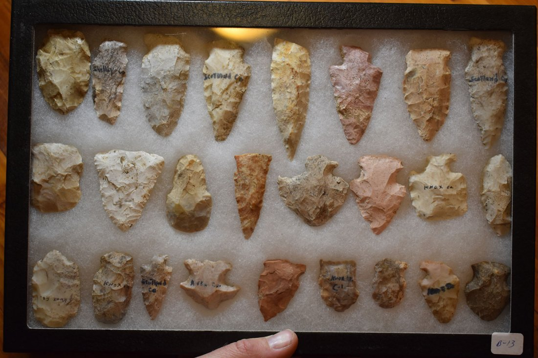 """8 1/2"""" X 12"""" FRAME OF 25  ARROWHEADS FROM STODDARD"""